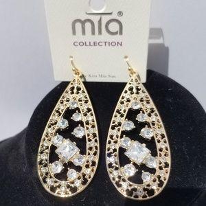 🆕️ Mia Glam Rhinestone Earrings